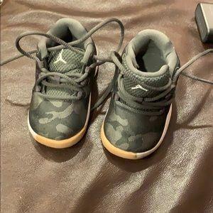 Camo Jordan Nike's Size 4c